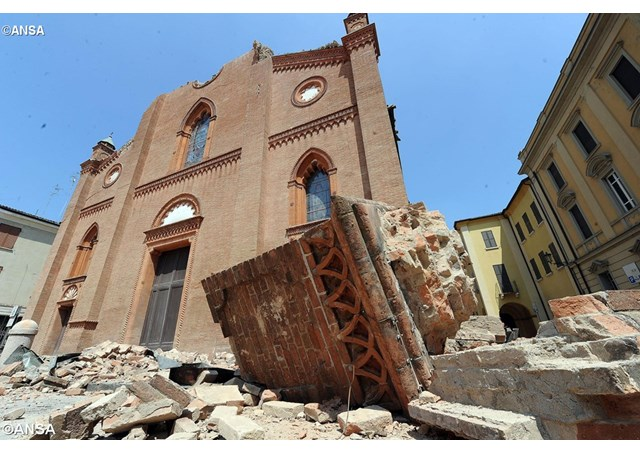 The Cathedral of Mirandola damaged by the earthqake on 29 May 2012 - ANSA