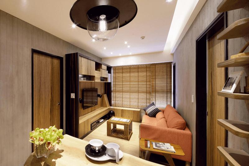 讓人感覺平靜且安定設計師在此採用一致大地色系一回到家便感受到滿滿的舒心感受