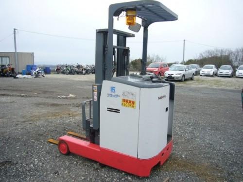 Cho thuê xe nâng điện tại tphcm