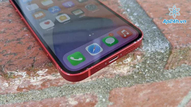 Vết nứt nghiêm trọng hơn iPhone 12 Mini rơi ở độ cao gần 2m