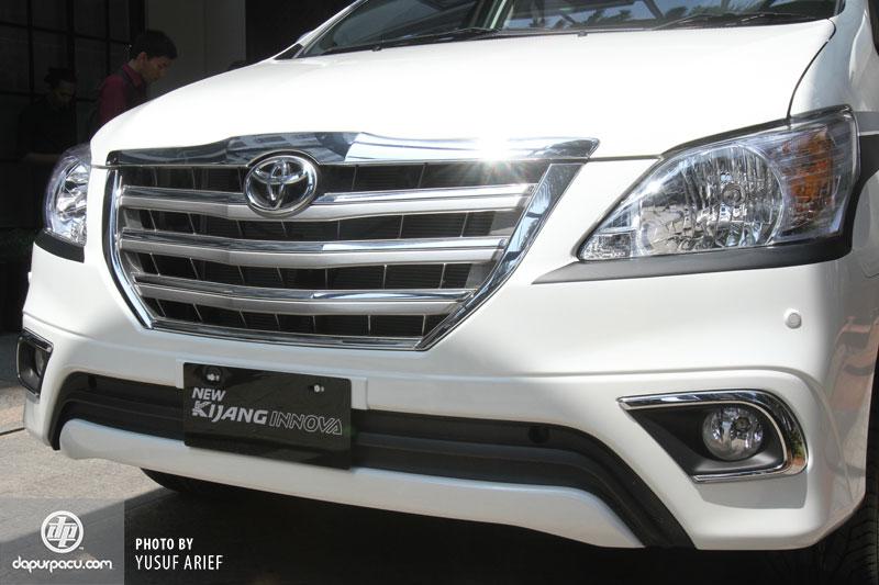 Toyota Innova 2014