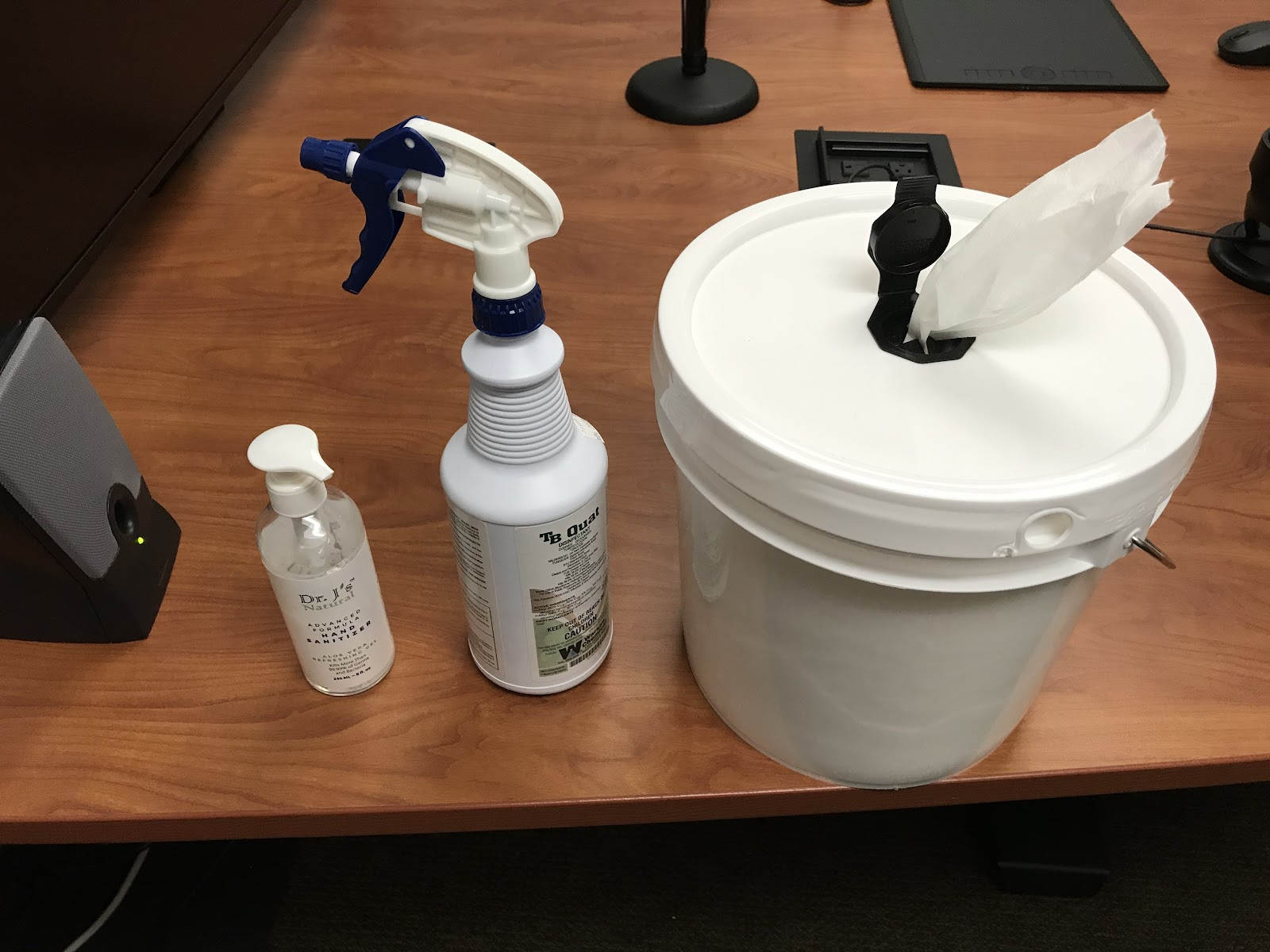 Cleaning fluids and wipes