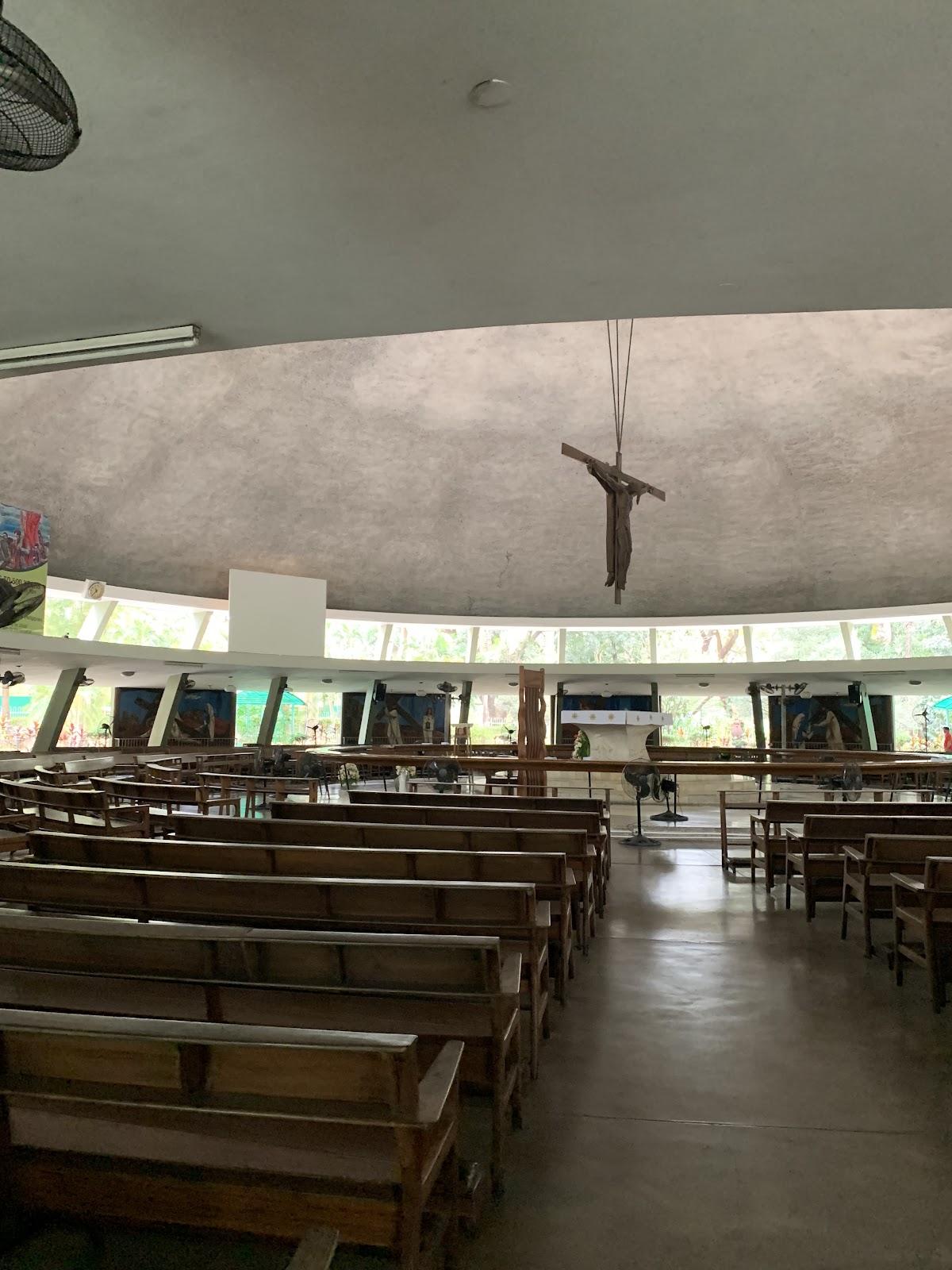 Interior pada Holy Sacrifice