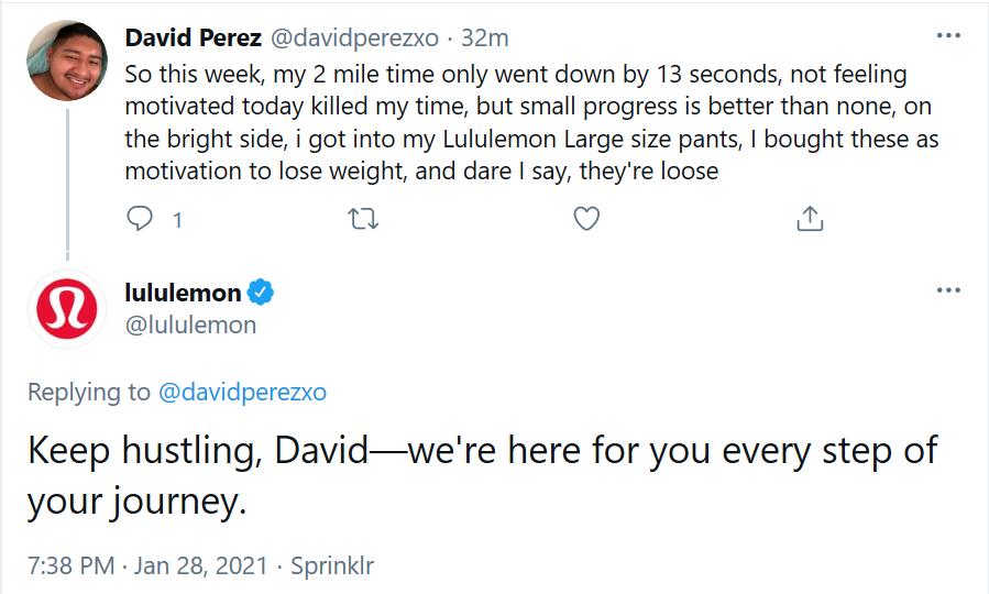 Lululemon replying to its customer on twitter