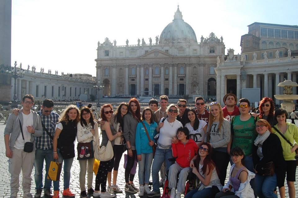 C:\Users\Sara\Desktop\FOTO ATTIVITA', SCUOLA E GITE 2012-2013\25- ROMA 9,12-04-2014\Roma (2).jpg