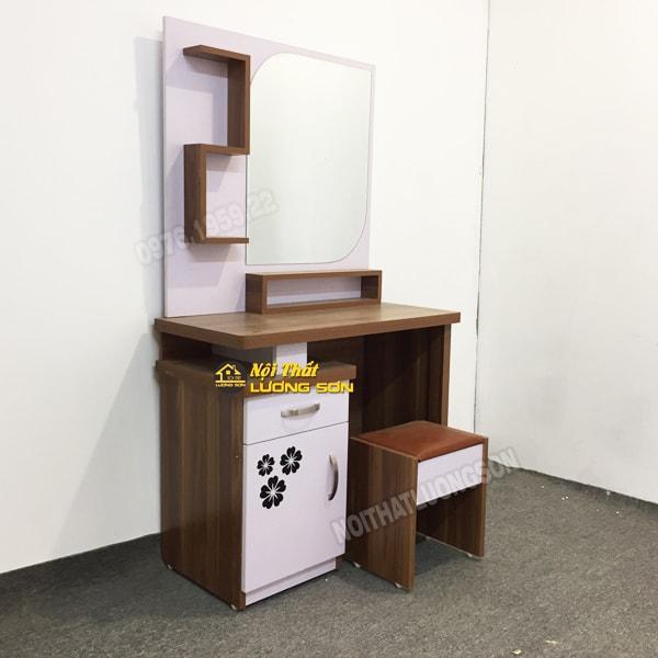 Một mẫu bàn trang điểm được chế tác từ Nội thất Lương Sơn