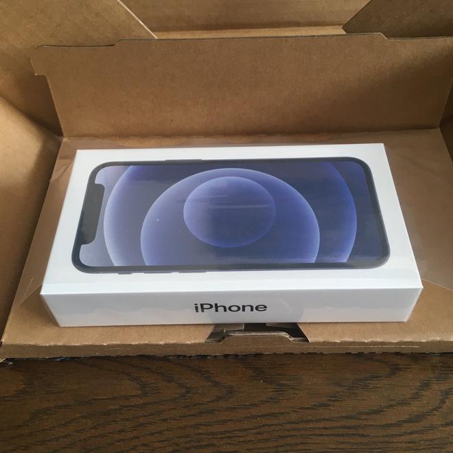 iPhone 12 Pro Max và iPhone 12 mini bắt đầu đến tay người dùng thế giới, hàng xách tay đang rục rịch về Việt Nam - Ảnh 4.