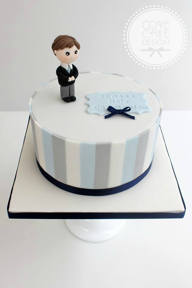 boys communion cakes