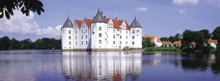 Gluecksburg-castle