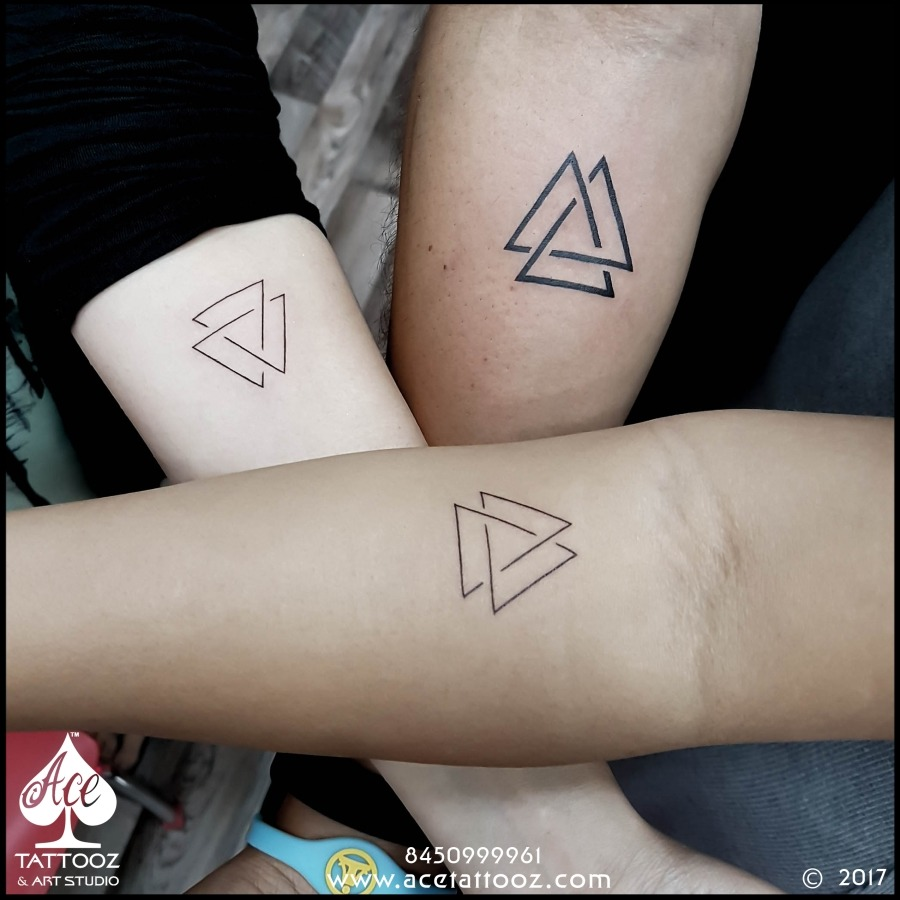 ลายสักสามเหลี่ยมผู้หญิง 02