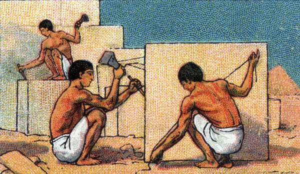 Image of Daily life in ancient Egypt: stone-cutters working on pyramid construction sites. Chromolithography beginning 20th century, Stefano Bianchetti, Private Collection, © Stefano Bianchetti / Bridgeman Images