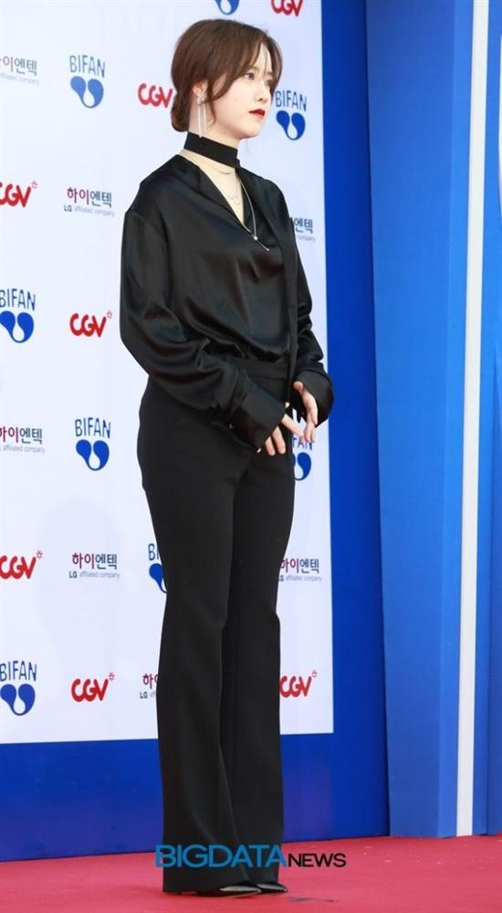 """Chung cảnh """"qua 1 lần đò"""", nhưng Song Hye Kyo vẫn có cách vực dậy """"khí chất"""" khác hẳn Goo Hye Sun"""