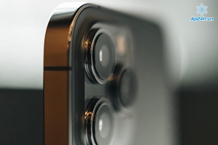 Máy ảnh của iPhone có thể dễ bị hỏng nếu tiếp xúc với động cơ rung