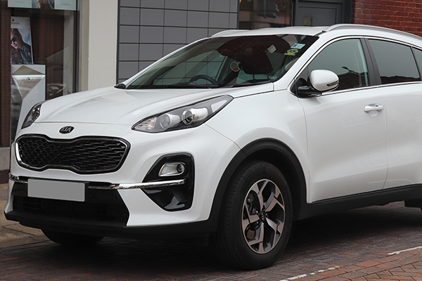angular-front-of-the-Kia-Sportage