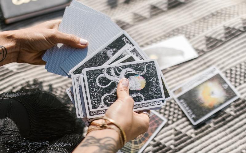Taro kārtis