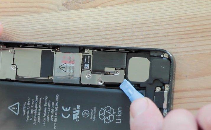 thay-pin-cho-iphone5-7