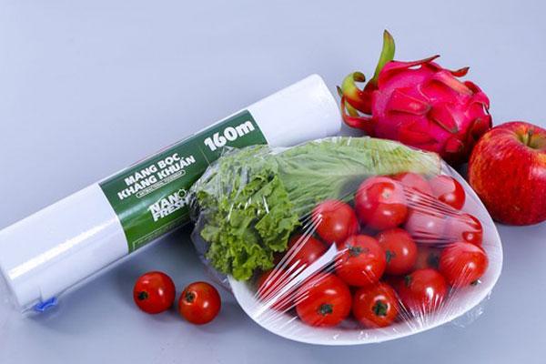 Hãy học cách sử dụng màng bọc thực phẩm đúng cách