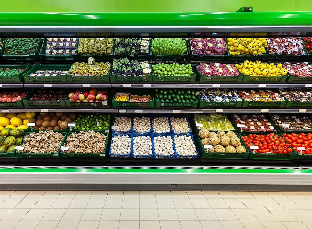Frutta e verdura in uno dei maggiori negozi in Italia