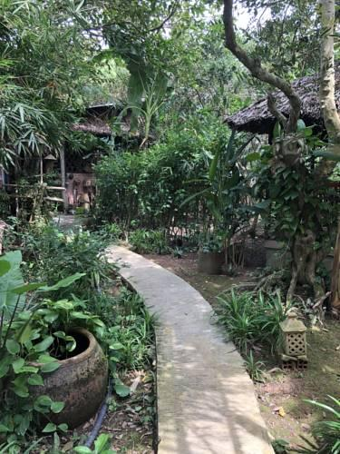 Sân vườn Jardin Du Mekong Homestay