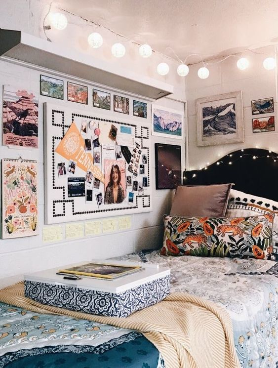 so I love the little board they have on the wall and the pillows (but we would have like 3X more at LEast
