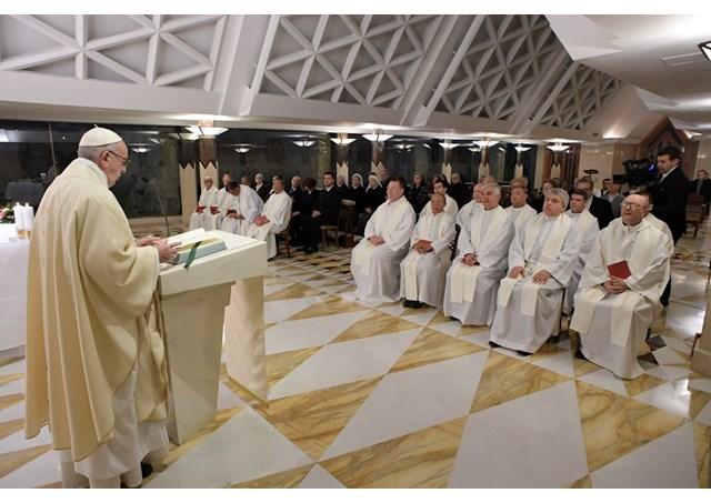 Đức Thánh Cha: Các Giáo hội nhỏ bé bị bách hại, sức mạnh của Giáo hội