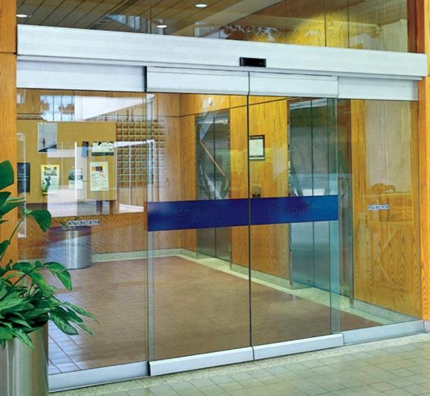 Vì sao bạn nên tìm hiểu về cửa kính tự động và cửa cổng tự động
