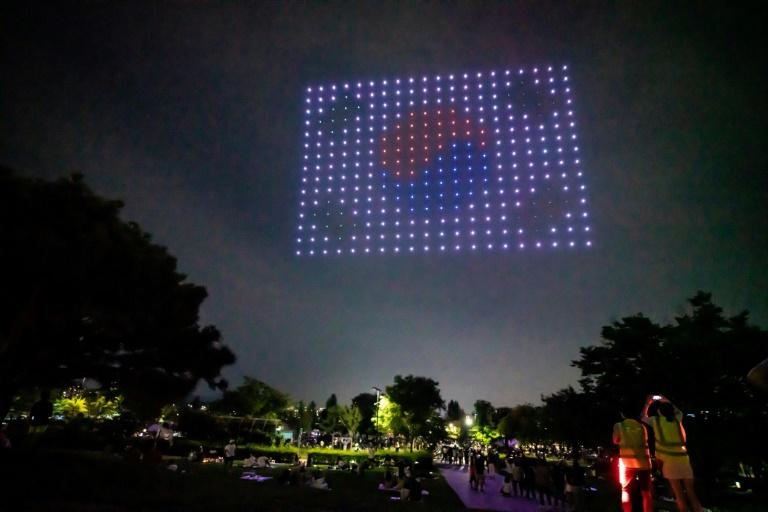 Hundreds of drones light up Seoul sky with virus messages ...