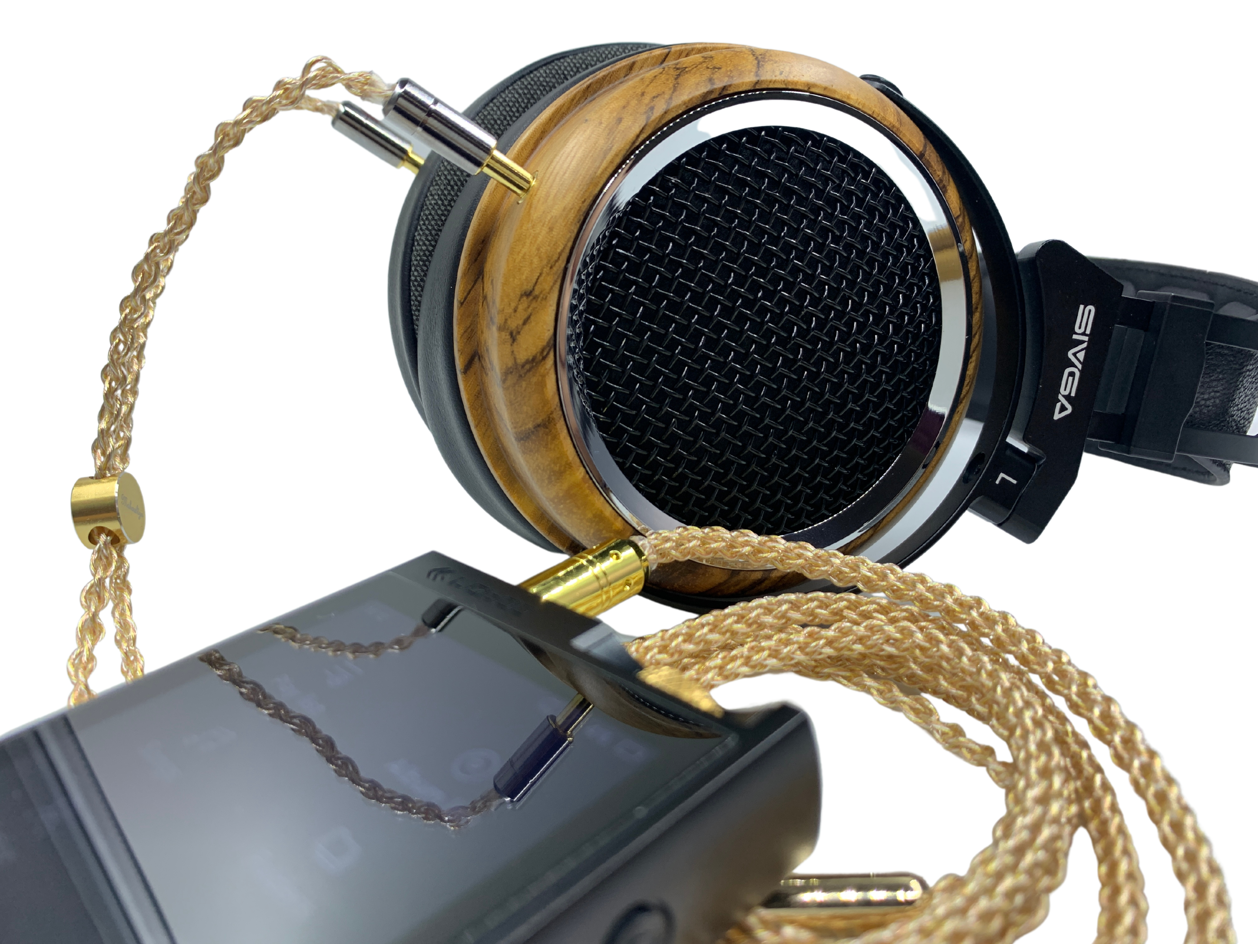 The Phoenix's midrange exhibits good warmth from the bass, creating a smooth and lush sound that is comfortable to listen to.