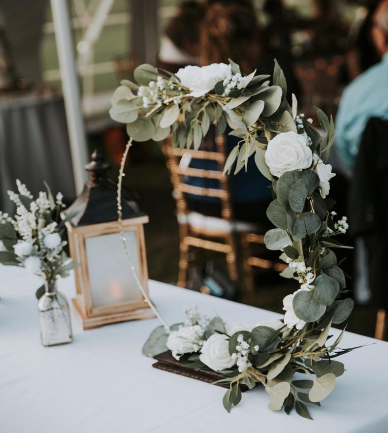 circular greenery wedding centerpiece