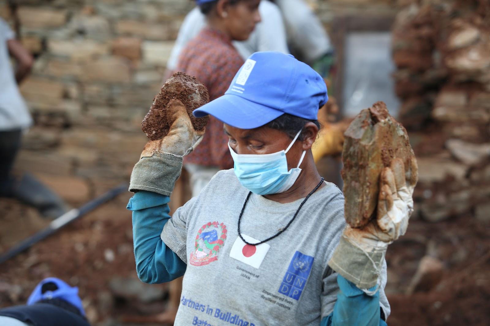 Nepal_Debris3.jpg