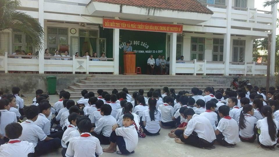Ngày hội đọc sách tại trường THCS Tây Vinh
