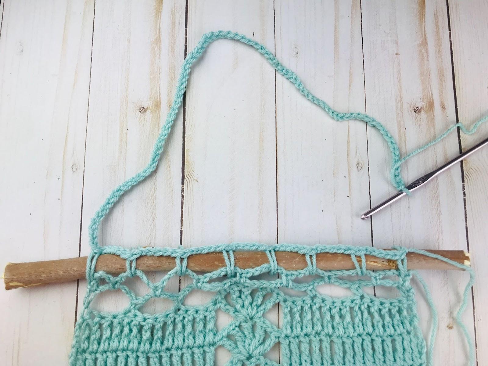 crochet wall hanging hanger tutorial