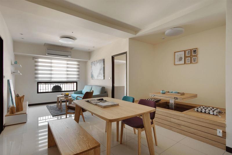 客廳與餐廳採用開放式空間讓視覺不受阻礙