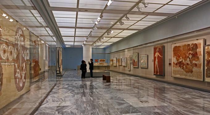 http://www.destinationcrete.gr/images/stories/photos/aksio8eata/mouseia/arxaiologiko_irakleiou/heraklio_archaeological_museum_19.jpg