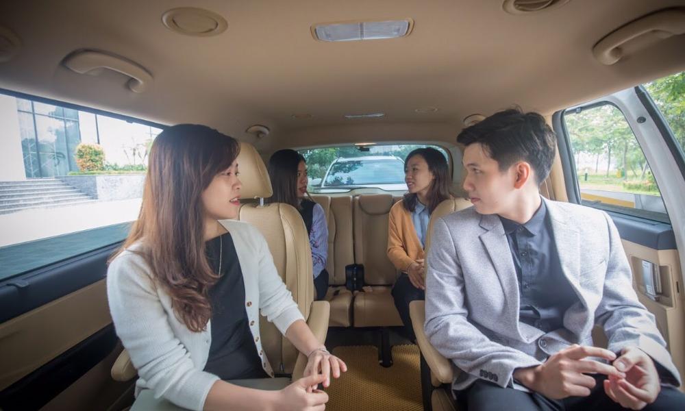 Nội thất xe Luxury Transport Limousine đi Quảng Ninh từ Hà Nội