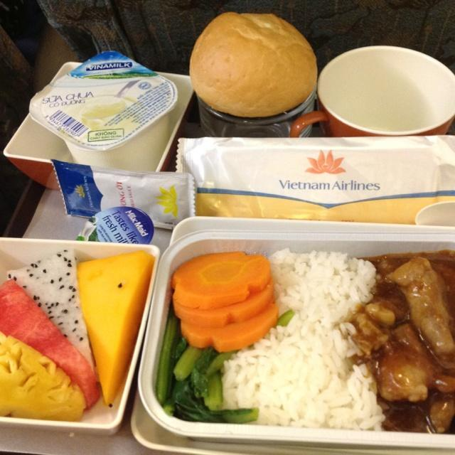 C:\Users\USER\Downloads\dd93e073843103c0559b384647bc0a1e--airline-meal-vietnam-airlines.jpg