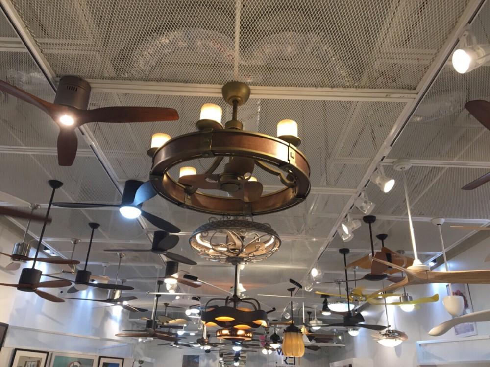 Hãy đến với quattran.vn để được trải nghiệm về chất lượng siêu việt của quạt trần cao cấp tại Royal Home