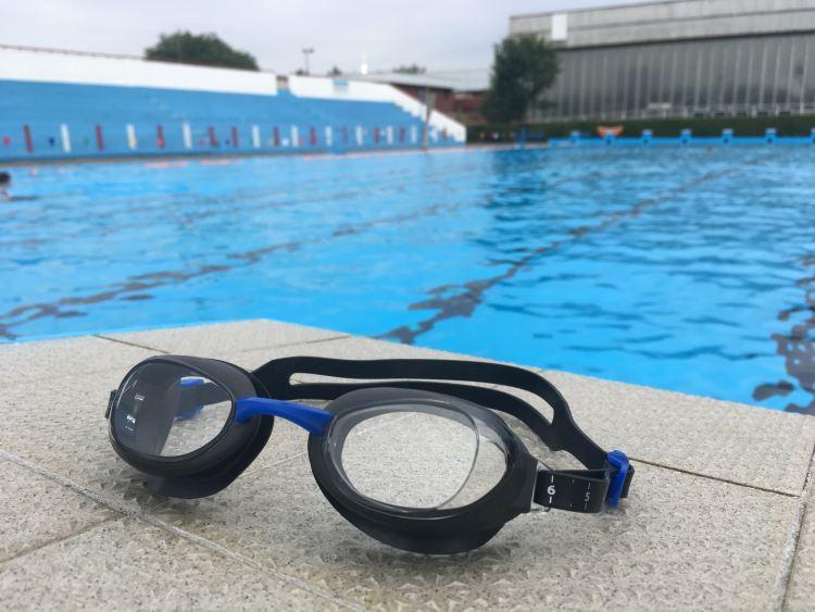 A szemüveghez lágy légáteresztő tasak tartozik 16cbfb2a0f