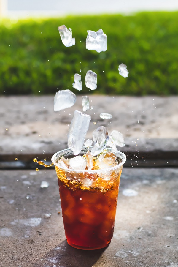 keep yourself cool in the summer - ice drinks