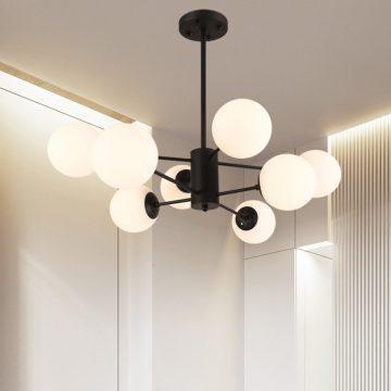 Sử dụng đèn chùm bên trong phòng khách