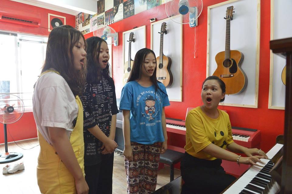 10 lợi ích của việc hát karaoke