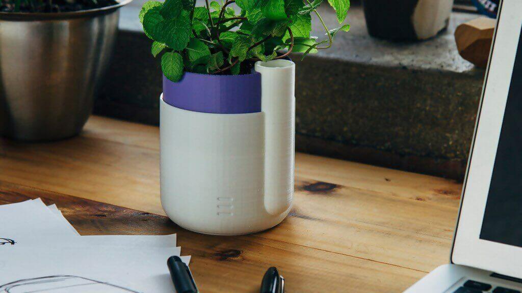 3d printed self-watering plant holder