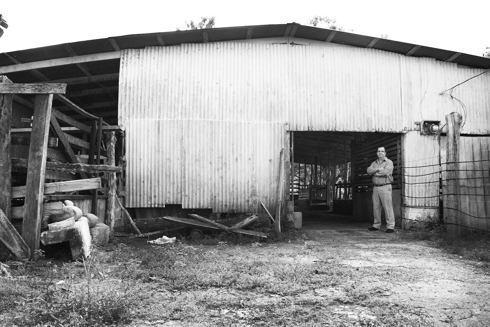 Su primer laboratorio de química estaba localizado dentro de la lechería familiar en Concepción de la Palmera en San Carlos. (Foto: Ruth Garita/OCM)