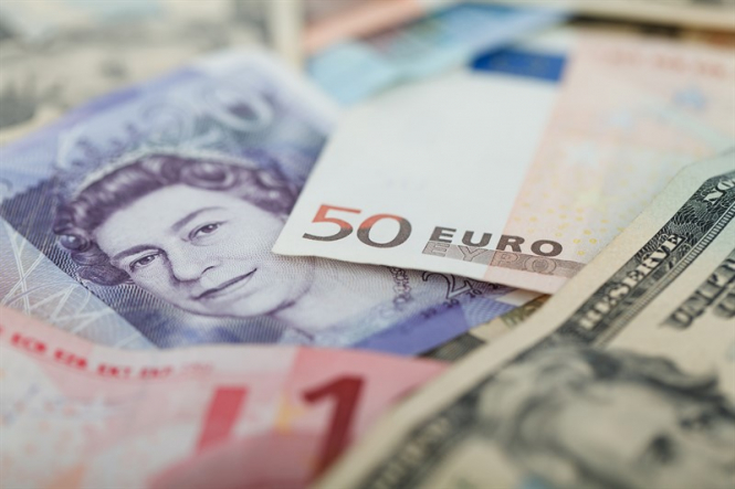 How much more can the euro and the pound fall in price?