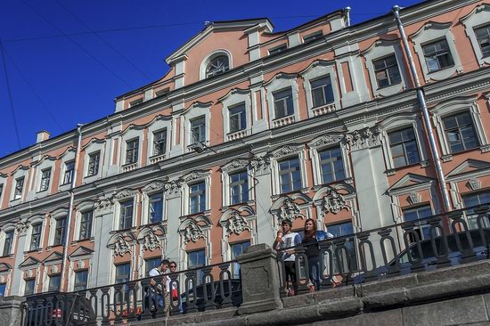Boat trip along the canals of St. Petersburg, Russia, photo 4