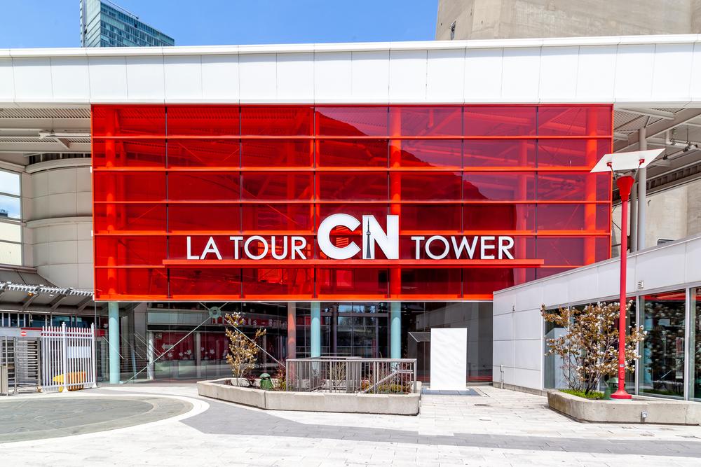 加拿大打工度假遊學留學cntower1
