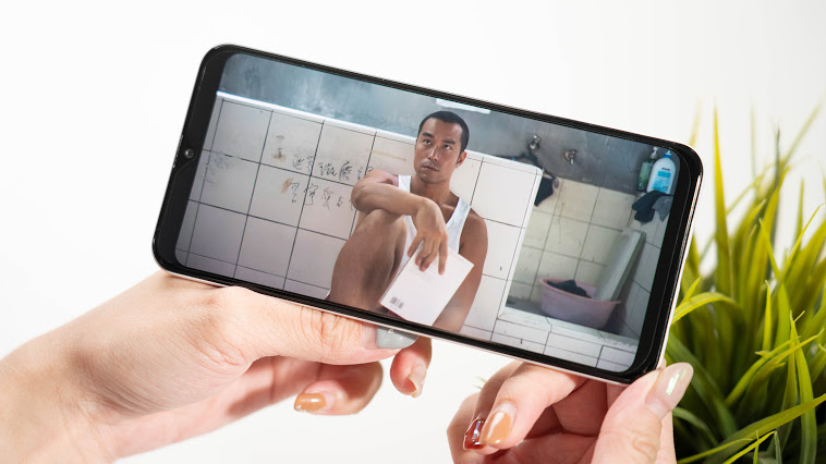 九千以下的手機選什麼?三星 Samsung Galaxy A30s 平價同時擁有旗艦規格! 駁二一日遊~