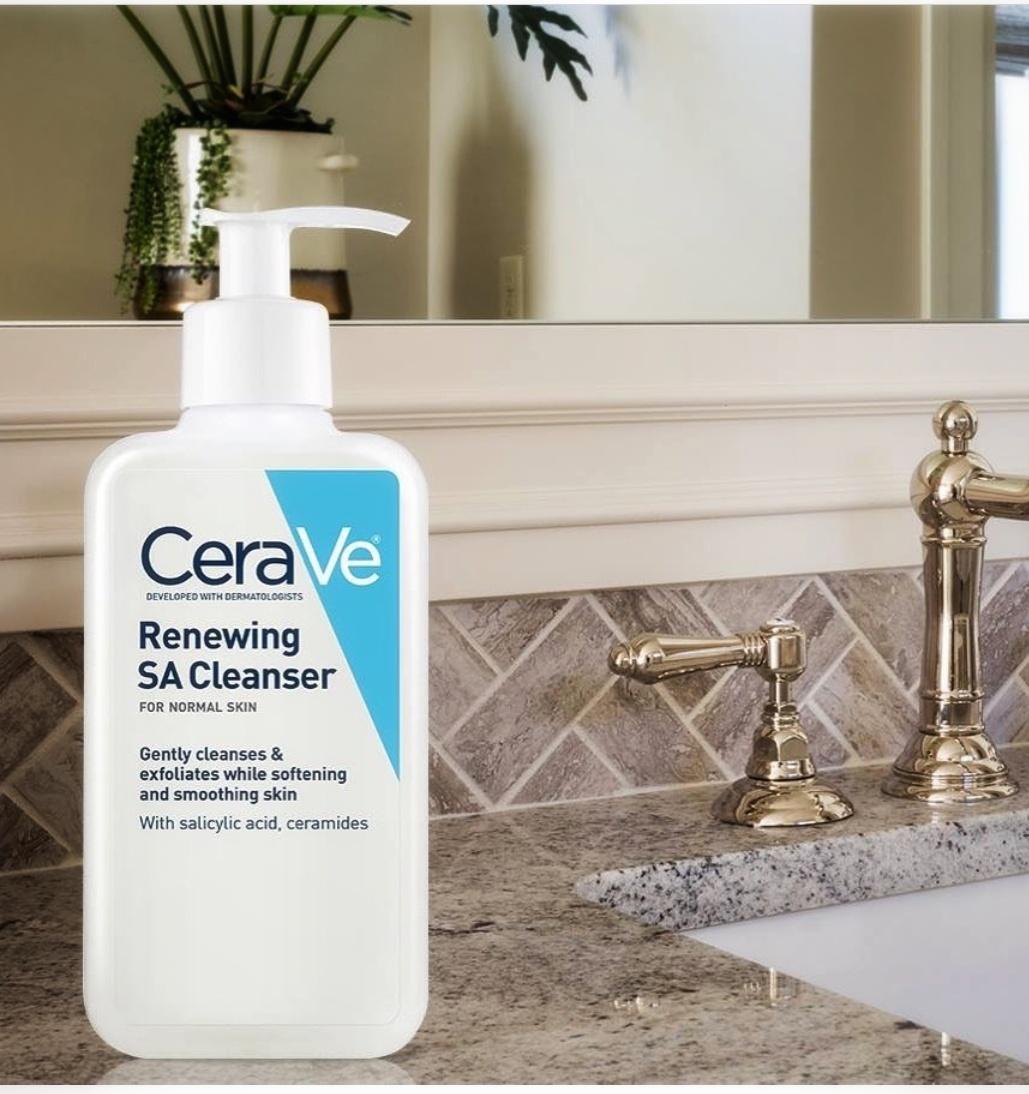 Sữa rửa mặt dành cho da dầu mụn Cerave Renewing SA Cleanser