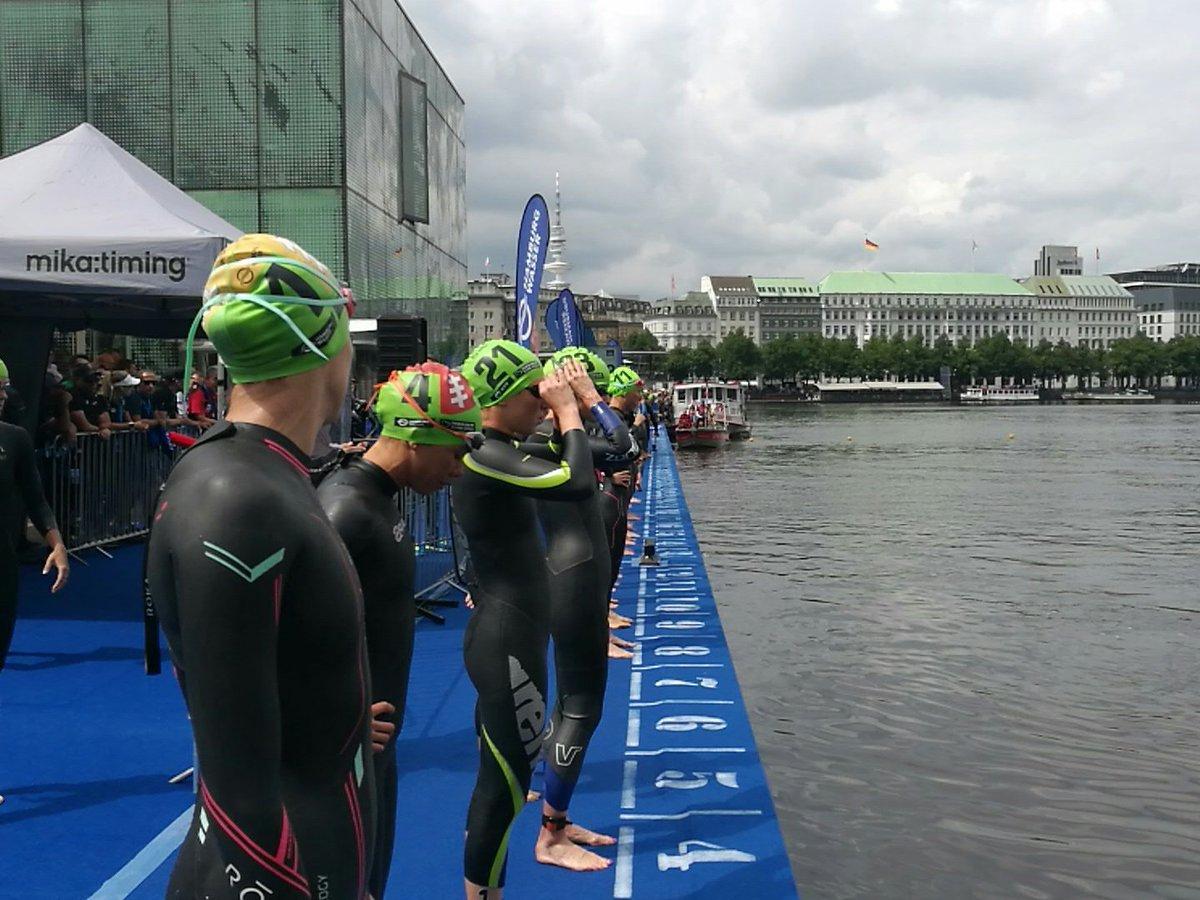 Hamburg pływanie kobiet.jpg