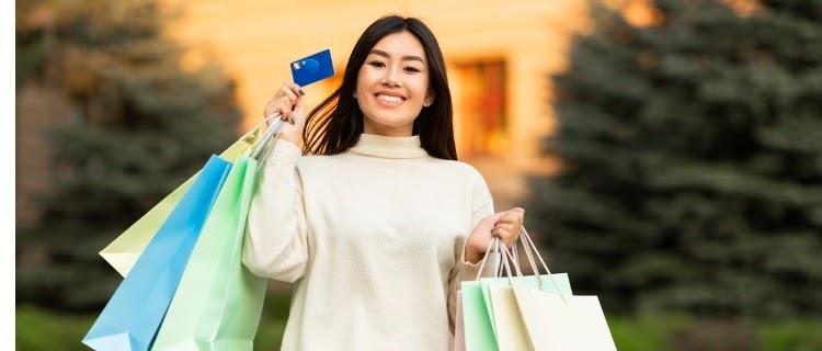 クレジット カード 20 代 女性 おすすめ